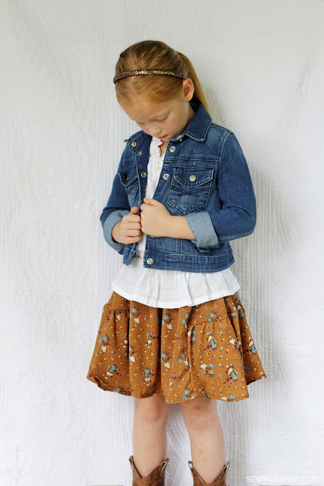 Side Bustle Skirt with FREE #Sewing Pattern  ||   sewingrabbit.com