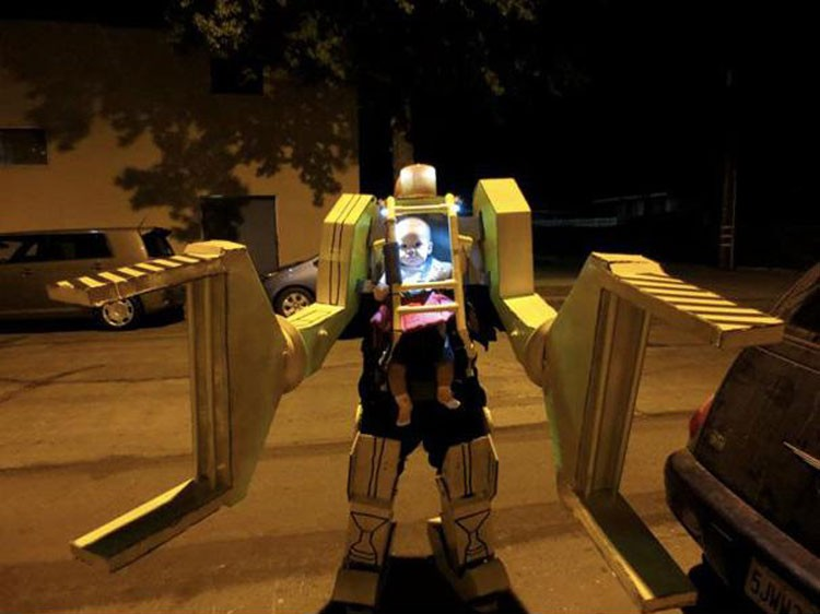 15 Awesome Halloween Costumes  Family Friendly and Not - Awesome Halloween Costumes