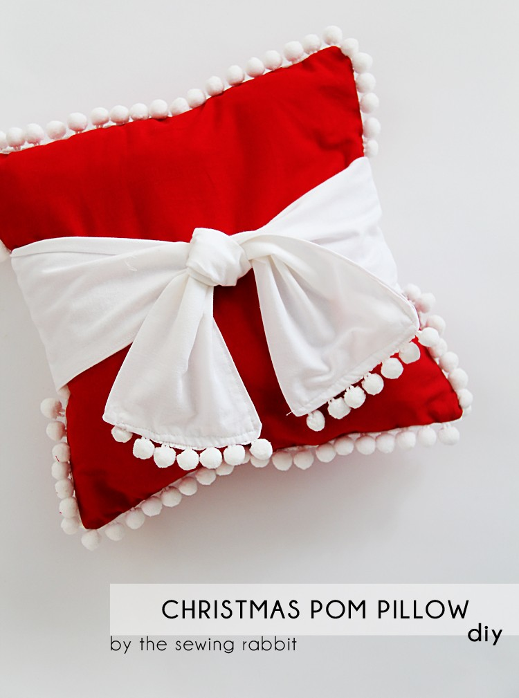 Christmas Pom Pillow DIY