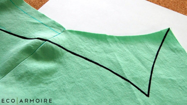 Draw back collar - EcoArmoire Trompe l'oeil DIY