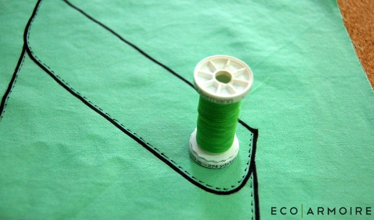 Use thread to draw button - EcoArmoire Trompe l'oeil DIY