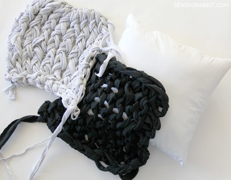 arm knit pillow DIY