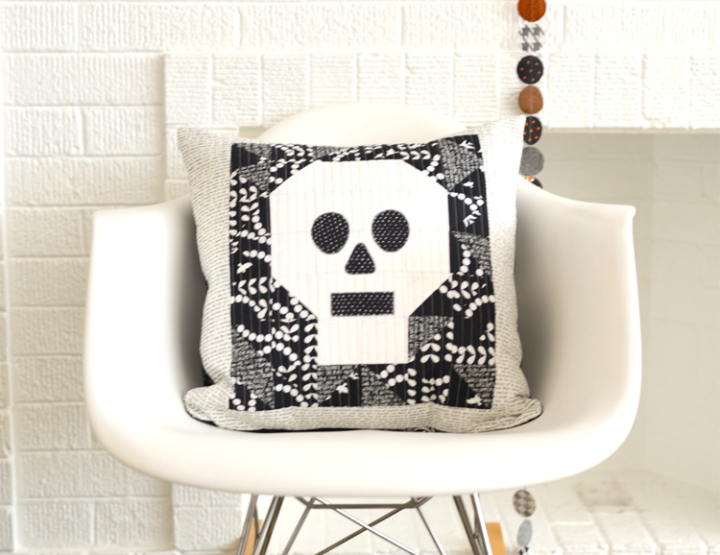 Quilted Skull Pillow DIY