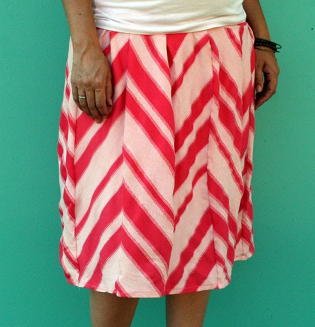 Panel Skirt DIY, Sew a Straight Line