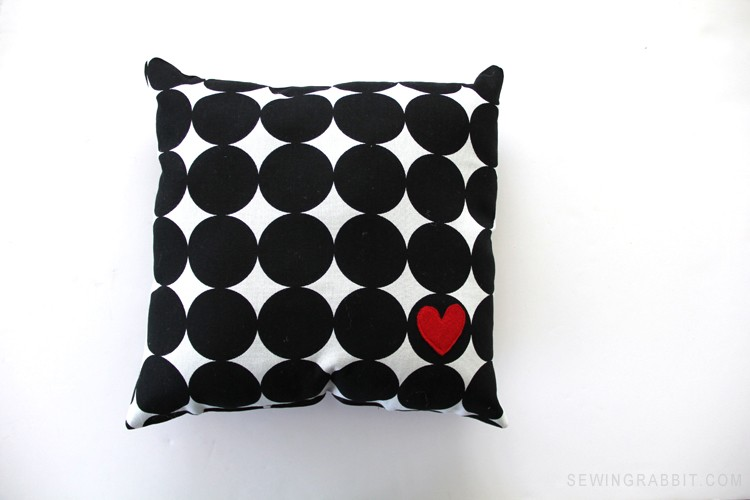 MAKE THIS: Easy Heart Valentine Pillow. Perfect beginner sewing project!