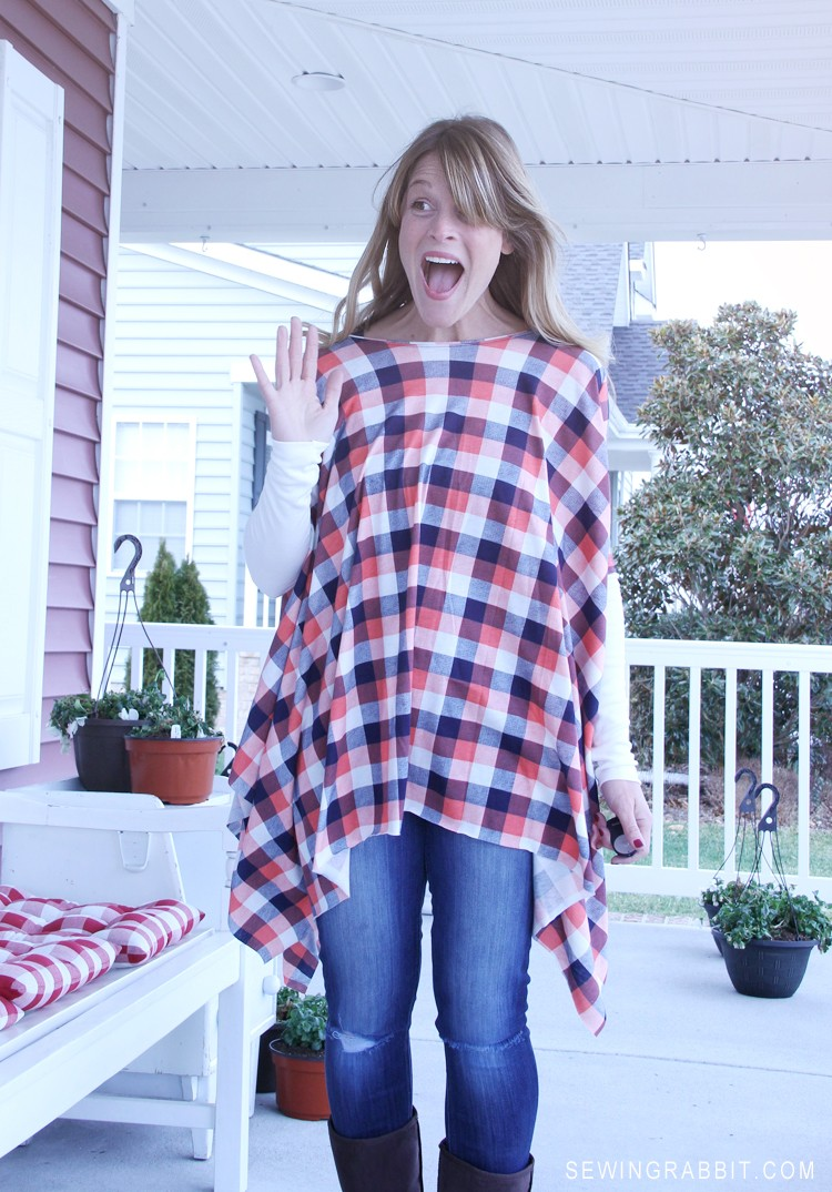 Womens Poncho Shirt with Free Pattern - look fabulous wearing leggings with a shirt that covers up your bum!