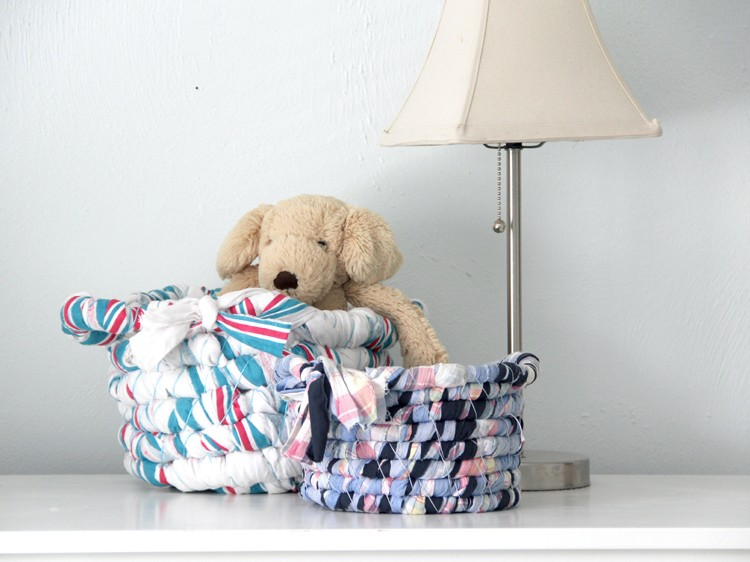 5 Ways to upcycle old baby blankets - make a basket with them!