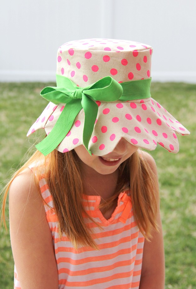 How to make a scalloped kids bucket hat, with free pattern