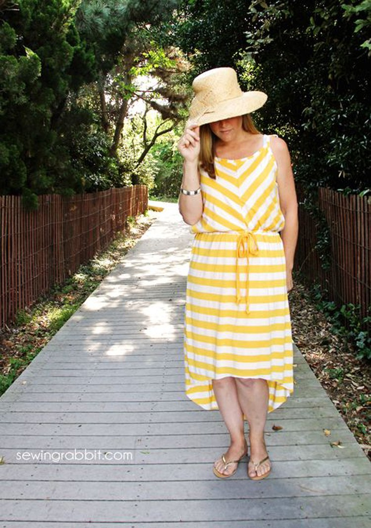 Sundress DIY --- 24 DIYs to help you get ready for Summer Vacation.