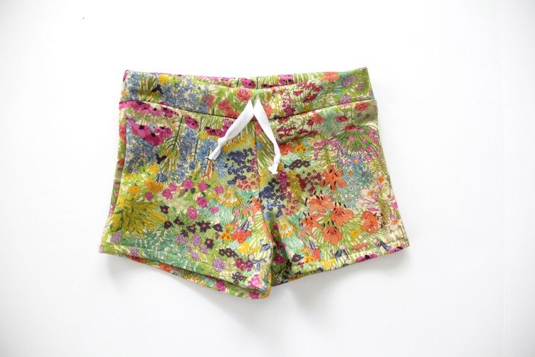 Make these adorable matching Mother Daughter Sweat Shorts for your family!