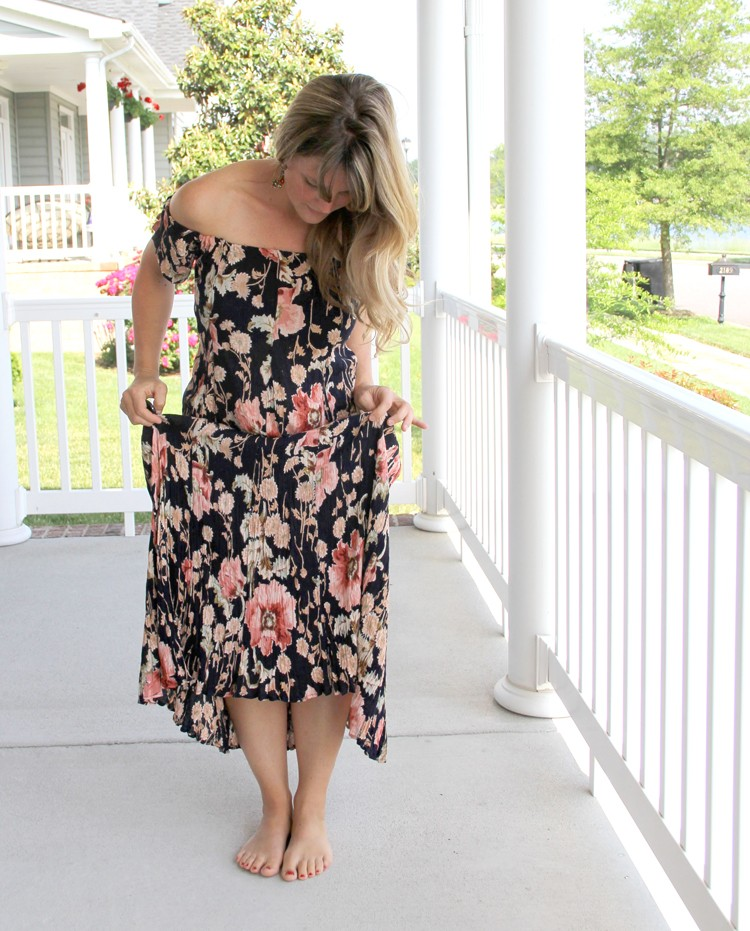 How to turn a vintage 80's floral dress into an off-the-shoulder dress with Bohemian style. Get the off-the-shoulder dress DIY.