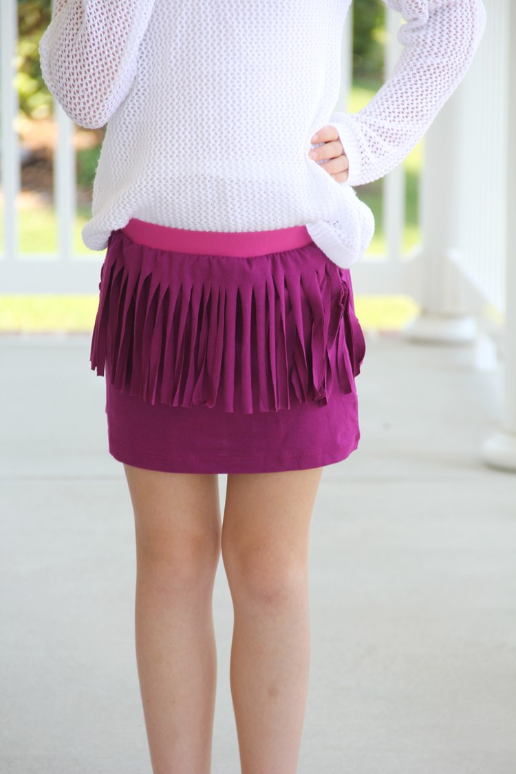 make a fringe skirt from an old T-Shirt! Perfect handmade tween sewing project