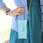 How to sew an iPhone purse -- for when you want to be minimalistic. || iPhone purse DIY
