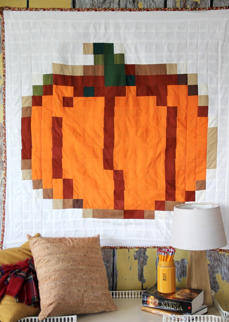 How to make a Pixel Pumpkin Quilt - Halloween quilt DIY