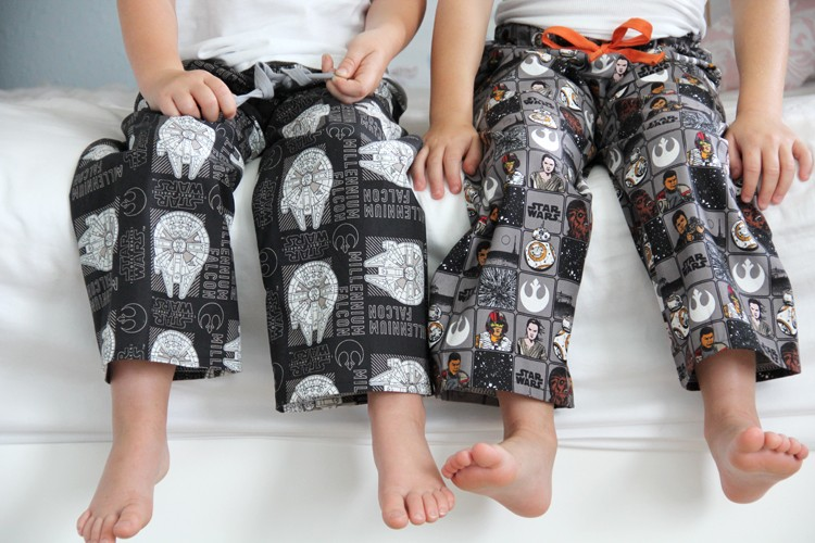 Star Wars Pajama Pants DIY  ||  how to sew easy pajama bottoms