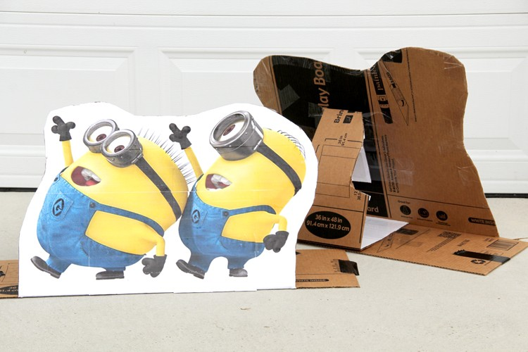 How to make large cardboard cutouts at home
