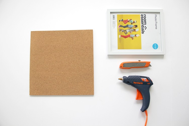 Hot to embellish a picture from with corkboard