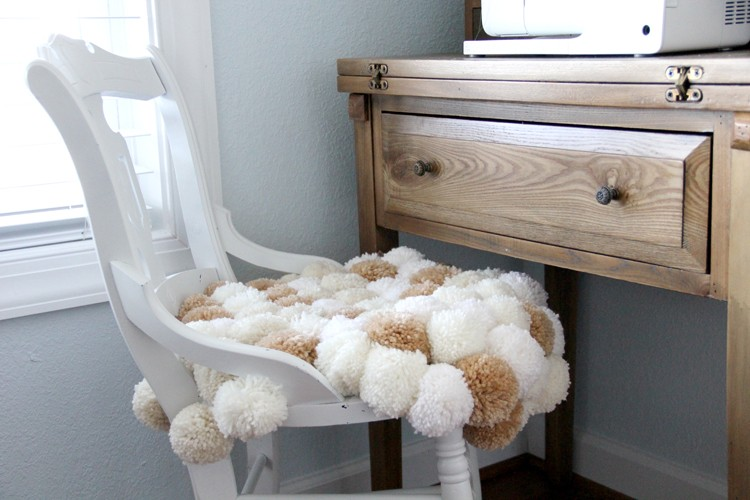 Pom Chair DIY - how to make a pom pom chair
