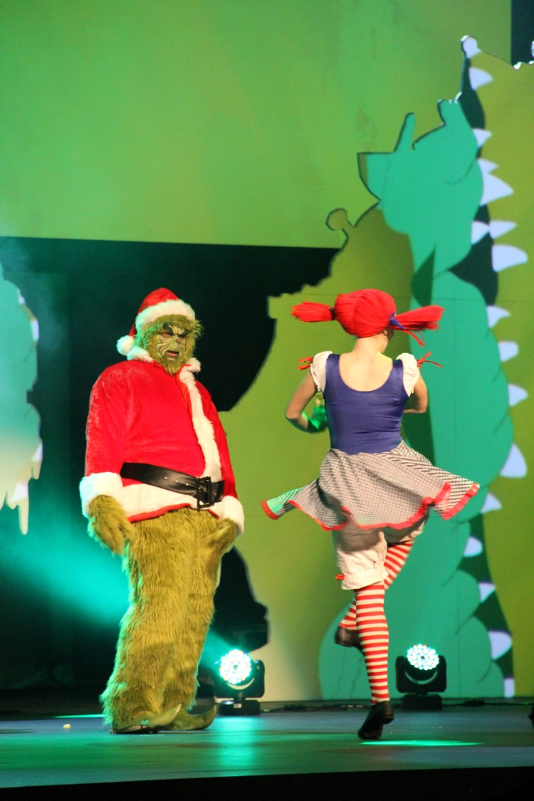 How the Grinch Stole Christmas Play - The Sewing Rabbit