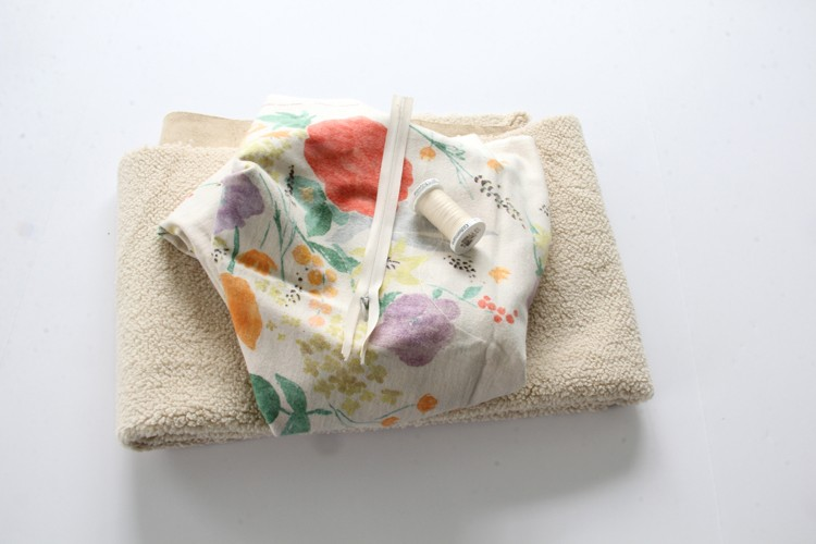 sewing materials needed to make a pocket scarf