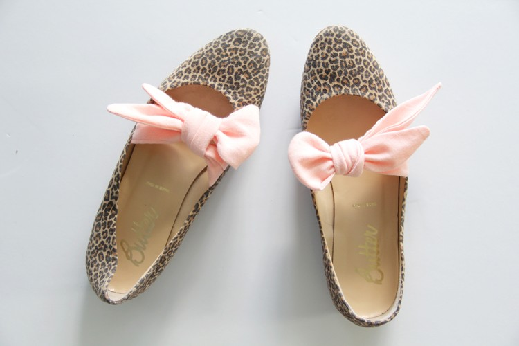 how to add a bow to your shoes ||  bow tie flats DIY