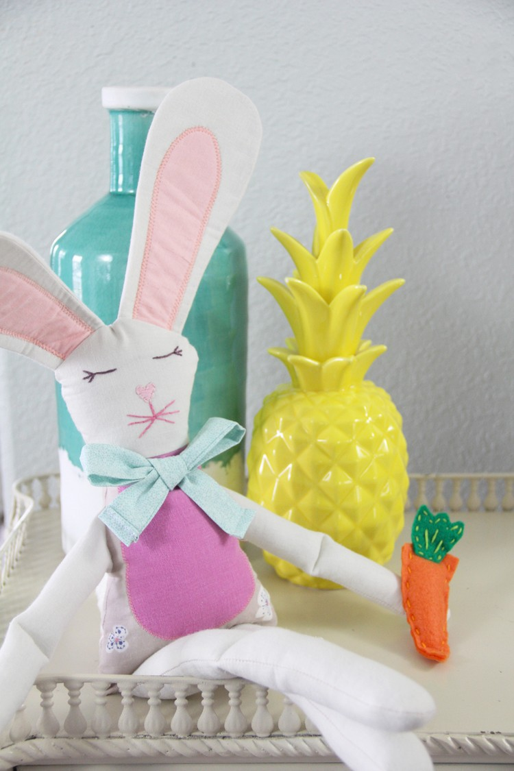 Free Easter Bunny Sewing Pattern, perfect for home decor or handmade Easter presents!