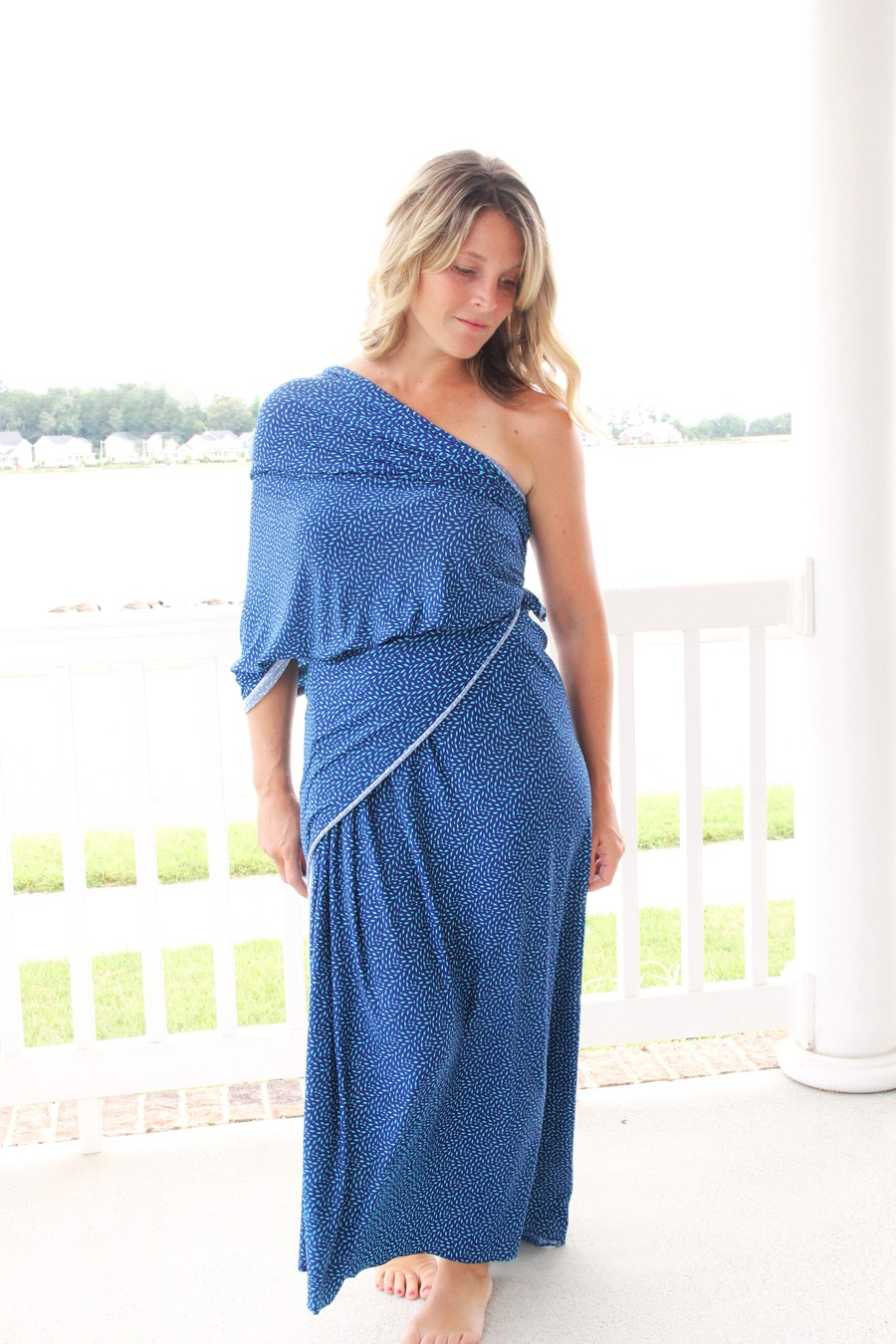 how to strategically wrap knit fabric to make a gorgeous no sew maxi dress!