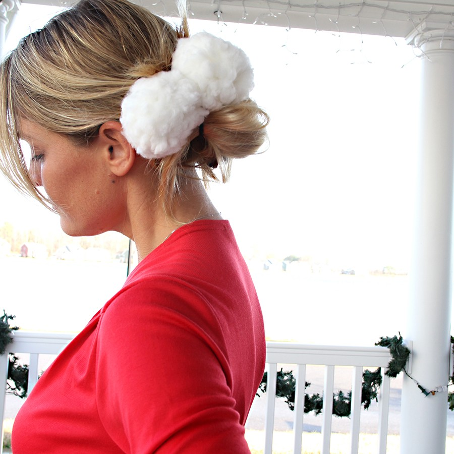 last minute handmade Christmas stocking stuffer - snowball hair tie DIY --> (how to make a pom pom hair tie)