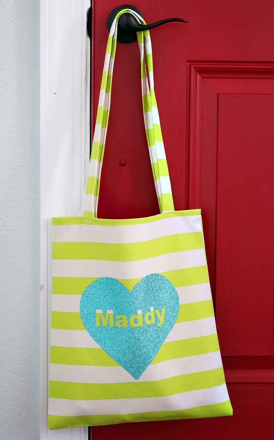 how to make an easy Valentine's Day tote