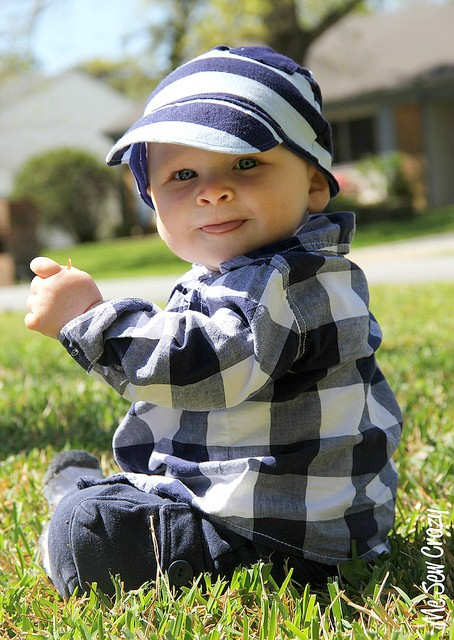 Make a baseball hat for your baby from an upcycled T Shirt. Free pattern for 18a9d2bd136