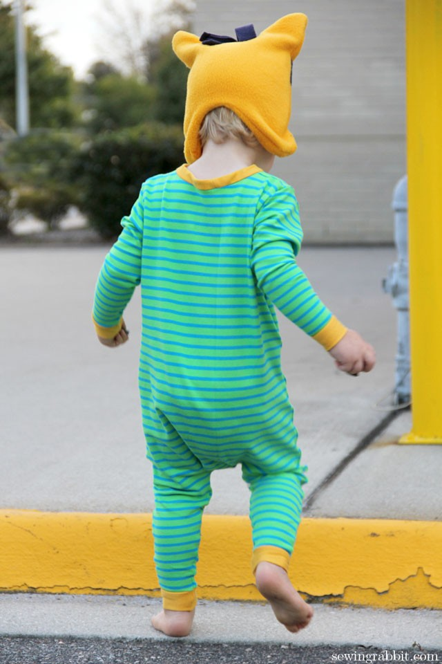 Self Drafted Star Pajamas, with Minion Hat   ||   sewingrabbit.com