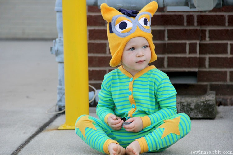 Self Drafted Star Pajamas & Minion Hat   ||   sewingrabbit.com