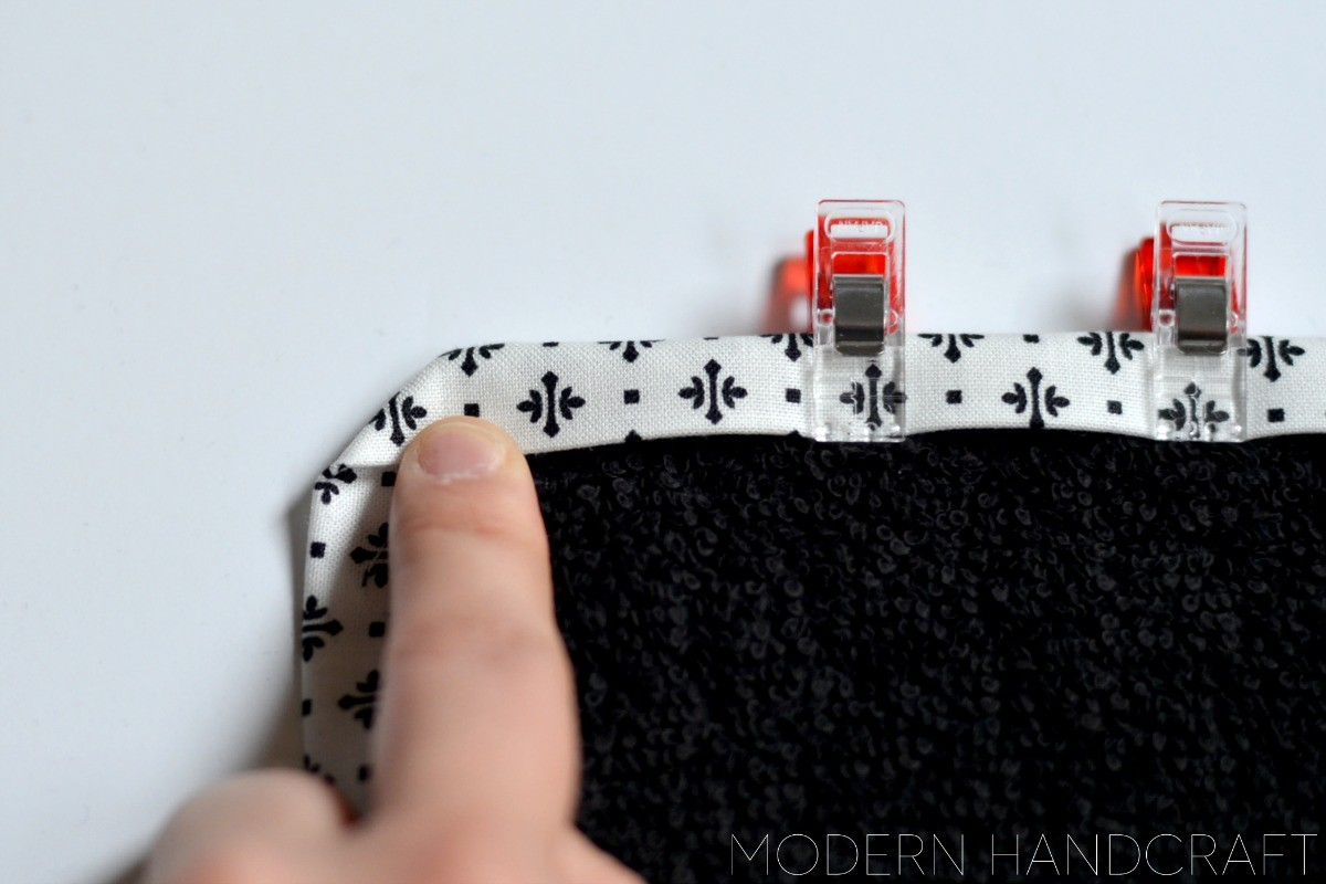 Makeup Proof Washcloths - a machine binding tutorial // Modern Handcraft for The Sewing Rabbit
