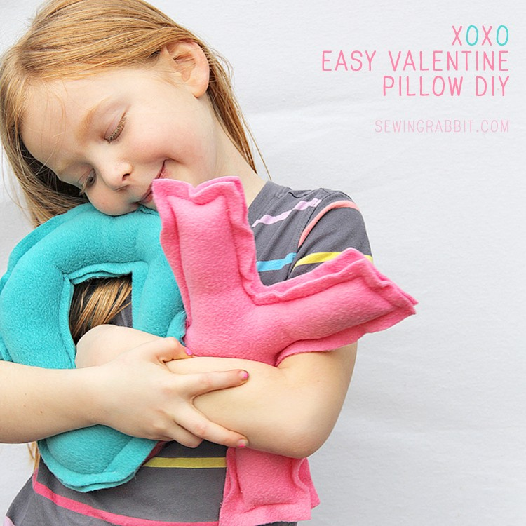 XOXO Pillow DIY