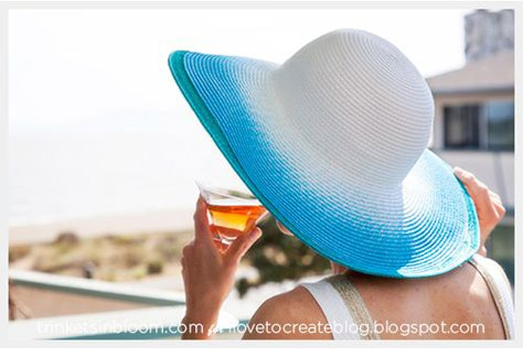 Women's Sunhat DIY --- 24 DIYs to help you get ready for Summer Vacation.