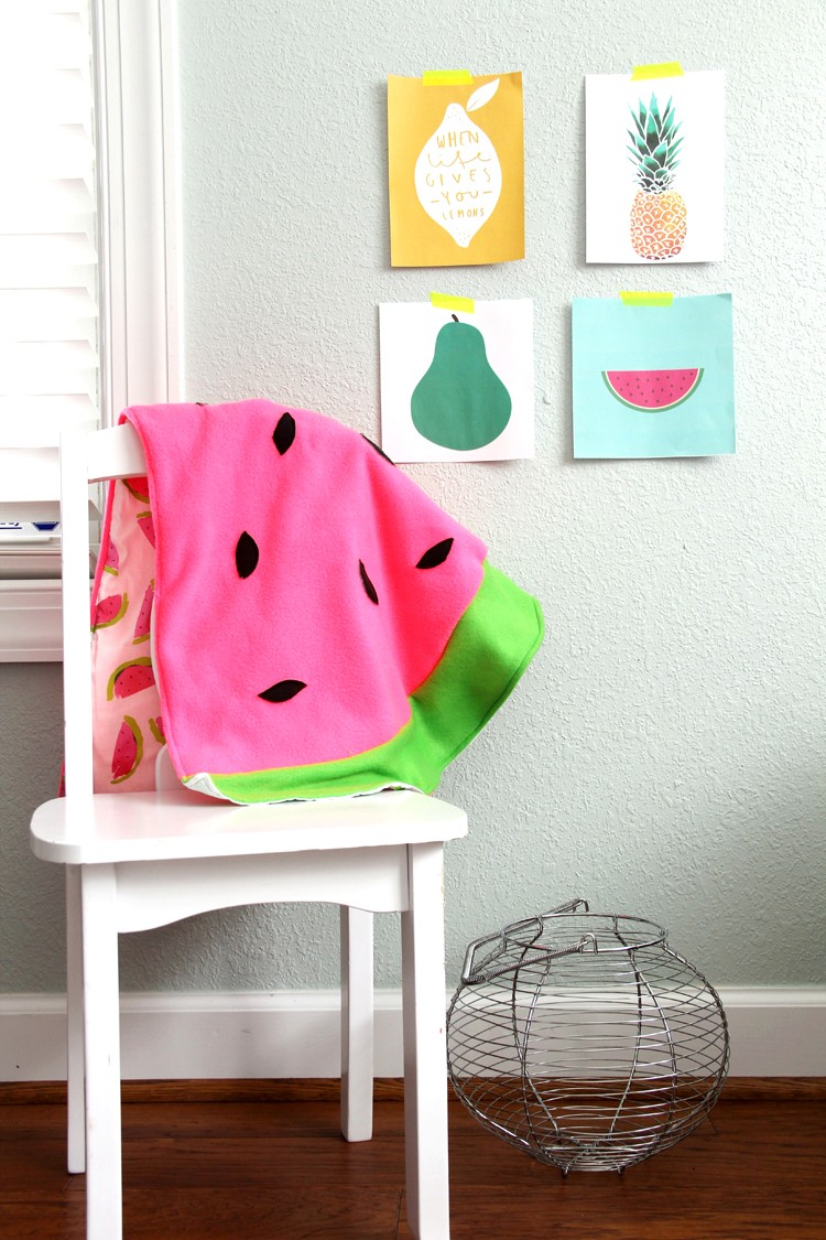 How to make an easy baby blanket. Watermelon Baby Blanket DIY.