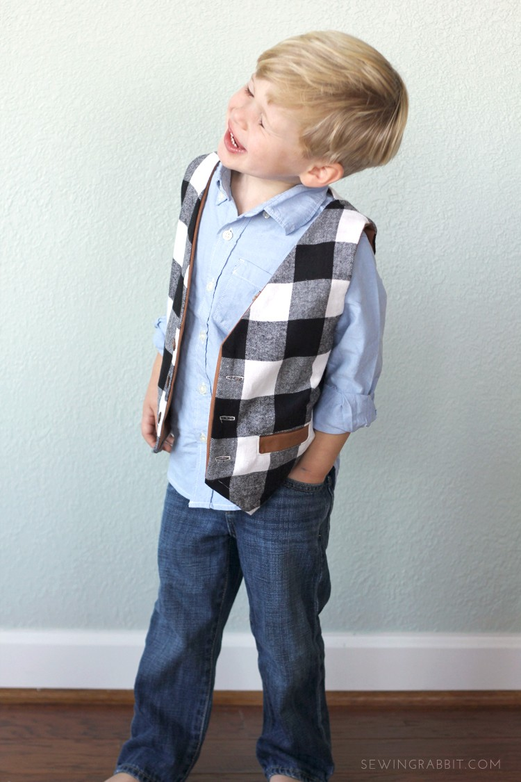 Free Boys vest pattern, perfect for the handmade holiday boys wardrobe!