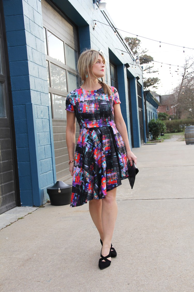 How to sew an asymmetrical hem dress || tips for sewing with scuba knit.