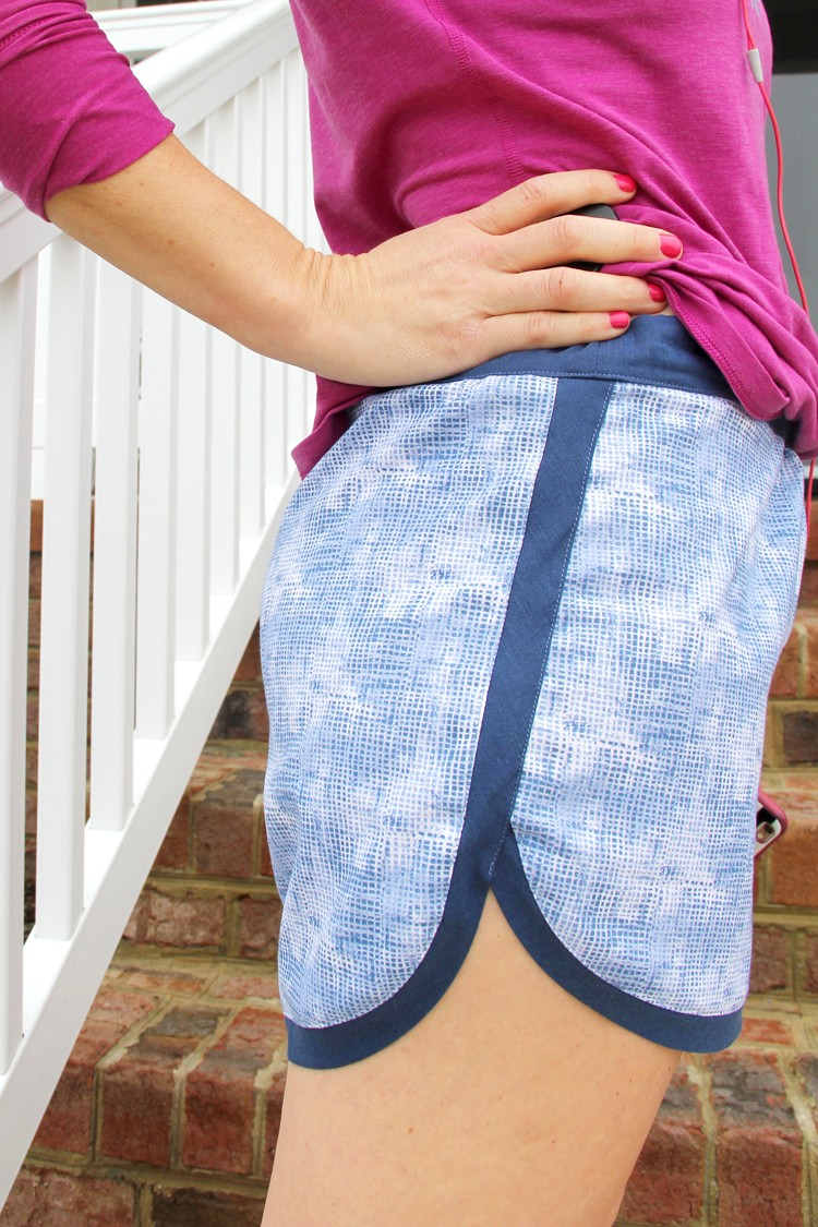 how to sew an easy pair of exercise shorts this Summer!