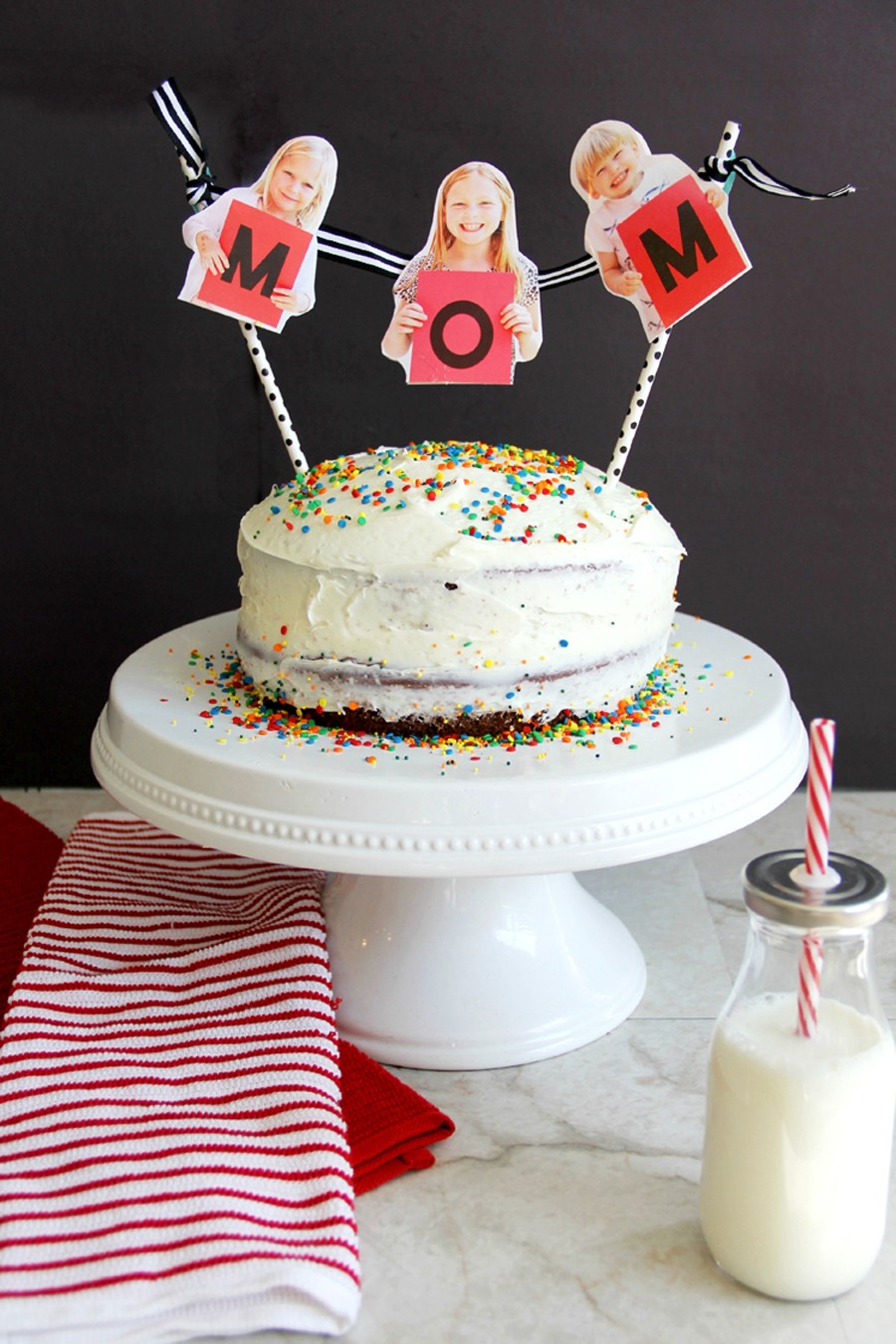 Make Mom or Dad feel special on their day with a personalized cake bunting! Celebrate Mother's Day or Father's Day with kid cake toppers.
