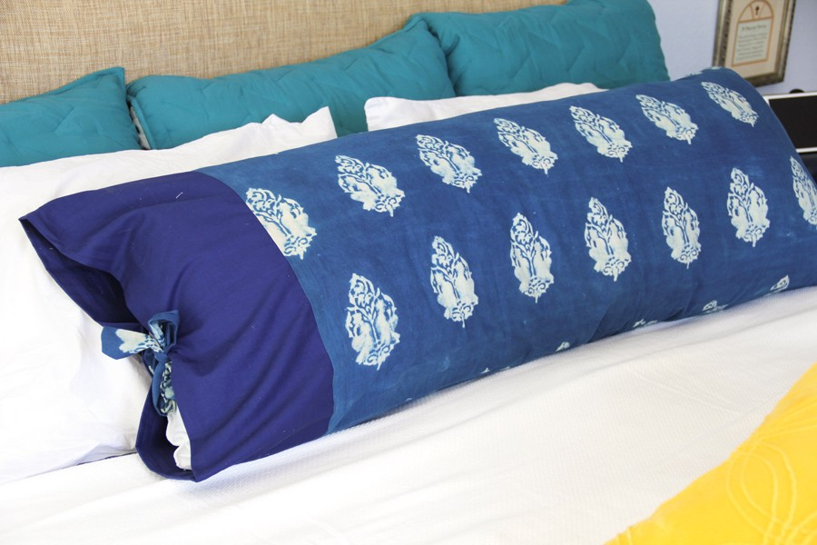 how to sew a body pillow cover - body pillowcase DIY