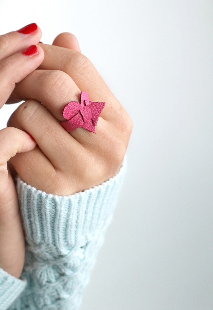 Valentine's Day craft, how to make a leather heart ring